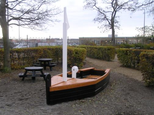 02-061 Båtlek från Woodwork AB