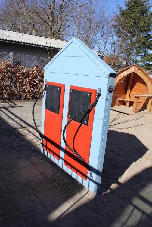 J02-093 Möbelhus/lekstuga med minikök från Woodwork AB