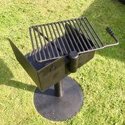 Robust och tålig grill med galler - Woodwork AB